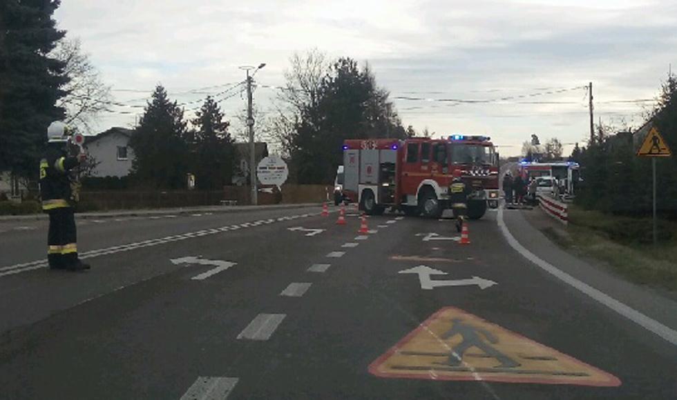 Zablokowany jeden pas drogi wojewódzkiej między Mielcem a Kolbuszową  MAPA  - Zdjęcie główne