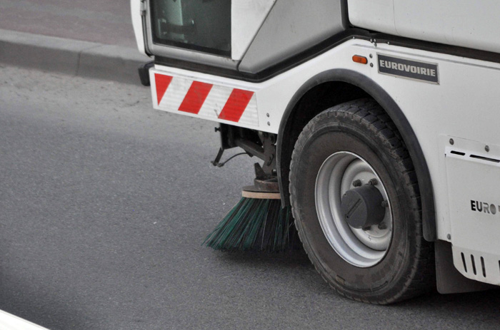 SYGNAŁY CZYTELNIKÓW.  Wtorkowe sprzątanie ulic. Czy to dobry pomysł? - Zdjęcie główne