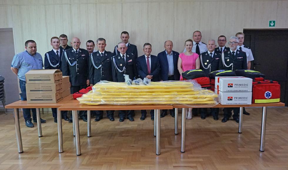 Strażacy z gminy Raniżów zostali doposażeni. Które jednostki i jakie sprzęty dostały?  - Zdjęcie główne