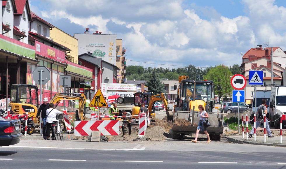 Kolbuszowa. Ulica 11 Listopada zostanie zamknięta. Drogowcy będą kłaść asfalt - Zdjęcie główne