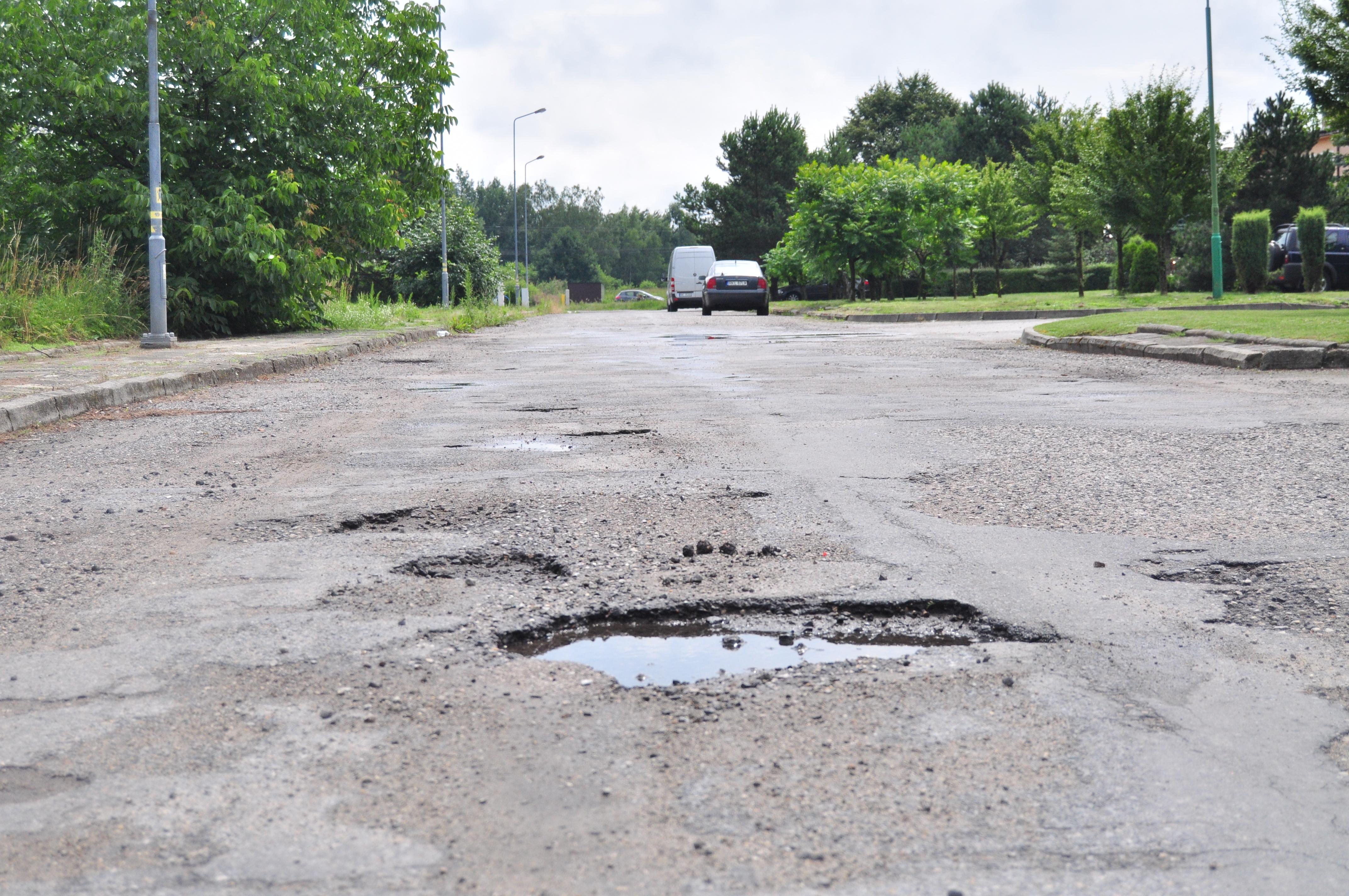 Gmina Kolbuszowa. Czytelniczka interweniuje w sprawie ulicy 3 Maja. Droga nie była remontowana od 30 lat  - Zdjęcie główne