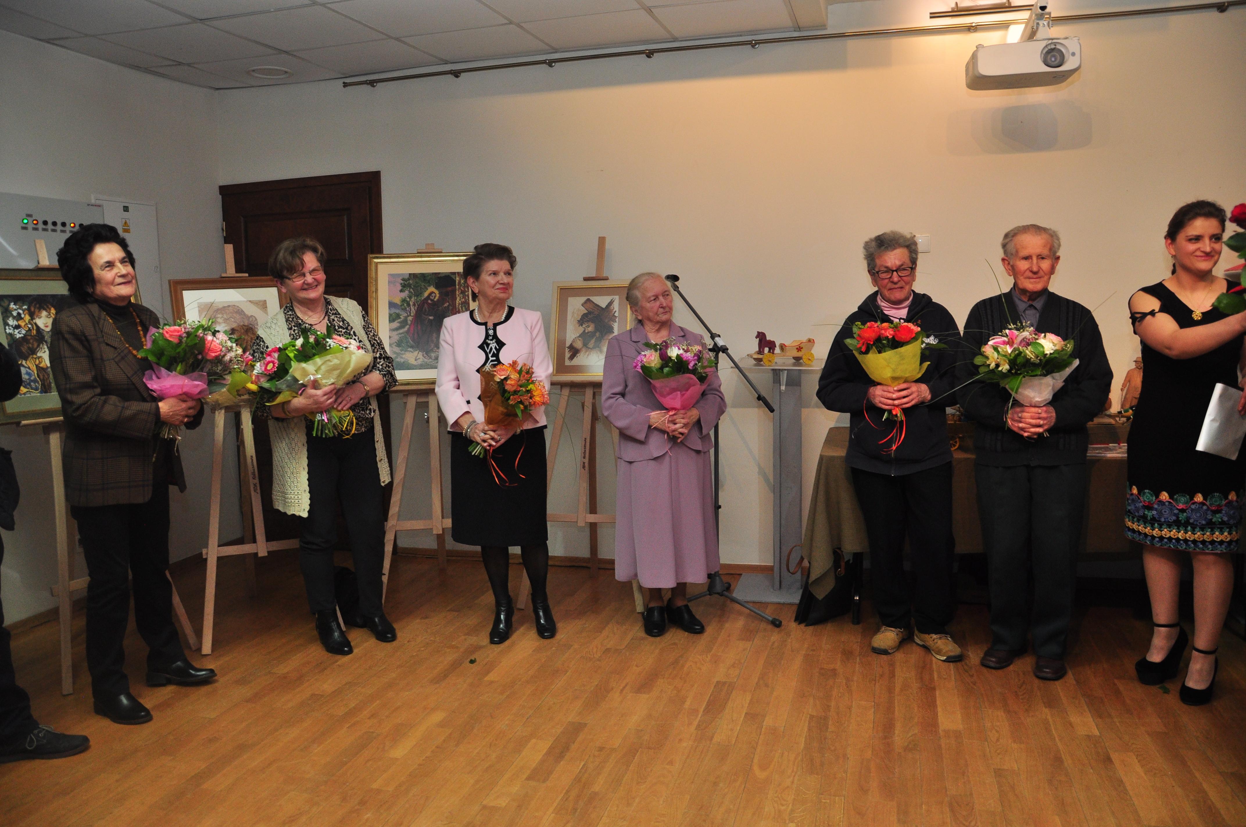 Seniorzy z gminy Kolbuszowa podzielili się swoimi pasjami [GALERIA ZDJĘĆ] - Zdjęcie główne