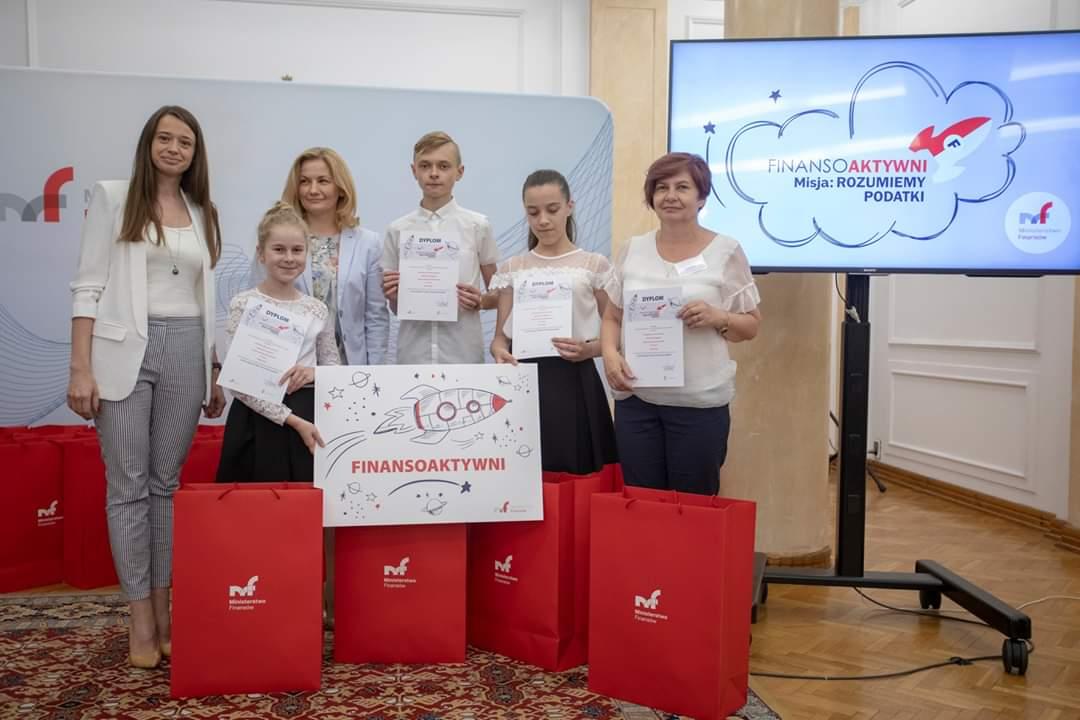 Uczniowie z Cmolasu laureatami ogólnopolskiego konkursu. Nakręcili film [WIDEO] - Zdjęcie główne