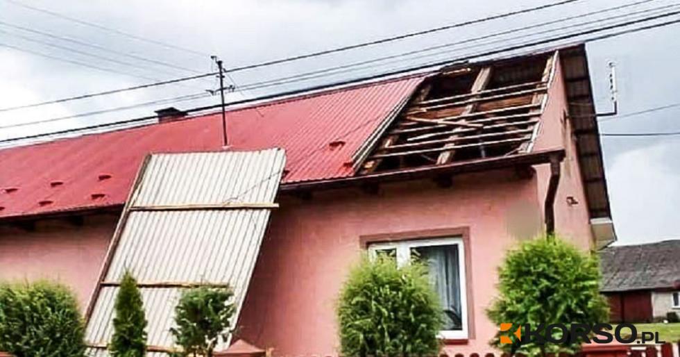 Z REGIONU. Zerwane dachy i powalone drzewa [FOTO] - Zdjęcie główne