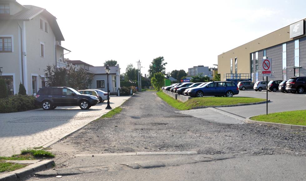 Ponad 80 tys. zł wyda gmina na wykonanie drogi między hotelem a galerią handlową przy ul. Rzeszowskiej w Kolbuszowej  - Zdjęcie główne