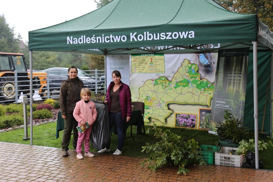 3 tysiące sadzonek rozdanych przez Nadleśnictwo Kolbuszowa. Akcja SadziMY - Zdjęcie główne