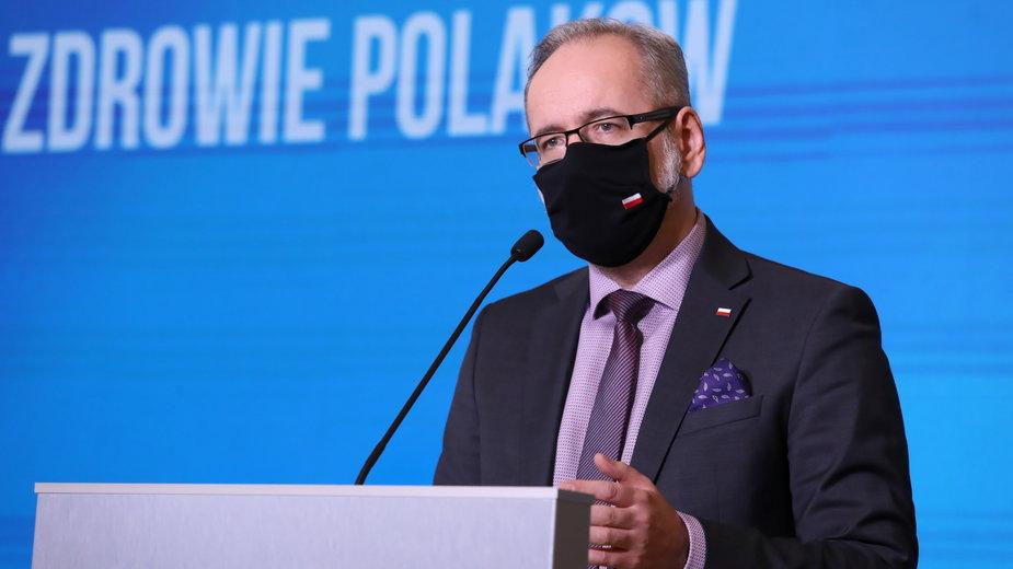 """Minister zdrowia zlecił kontrolę szczepień przeciw COVID-19 u osób spoza grupy """"0"""" - Zdjęcie główne"""