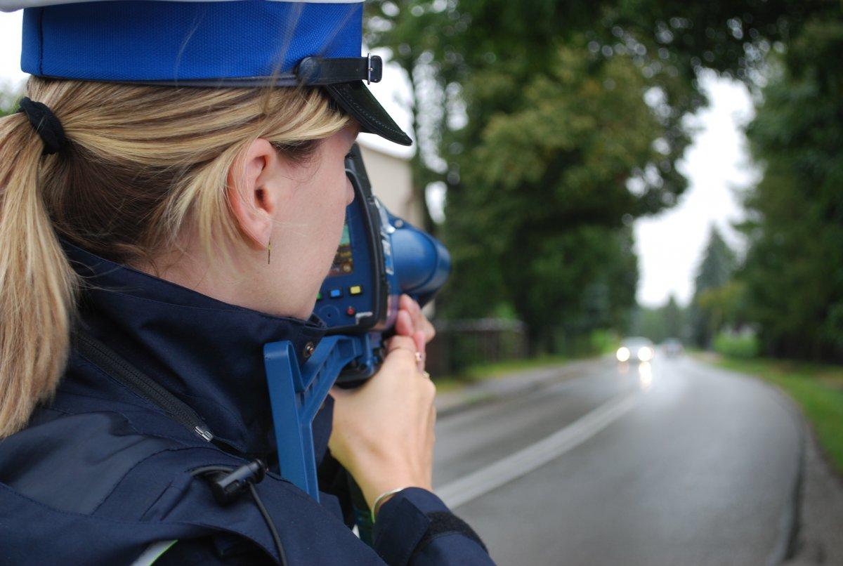 Z REGIONU: Nielegalne wyścigi w Rzeszowie. Skontrolowano ponad 90 aut i kierowców  - Zdjęcie główne