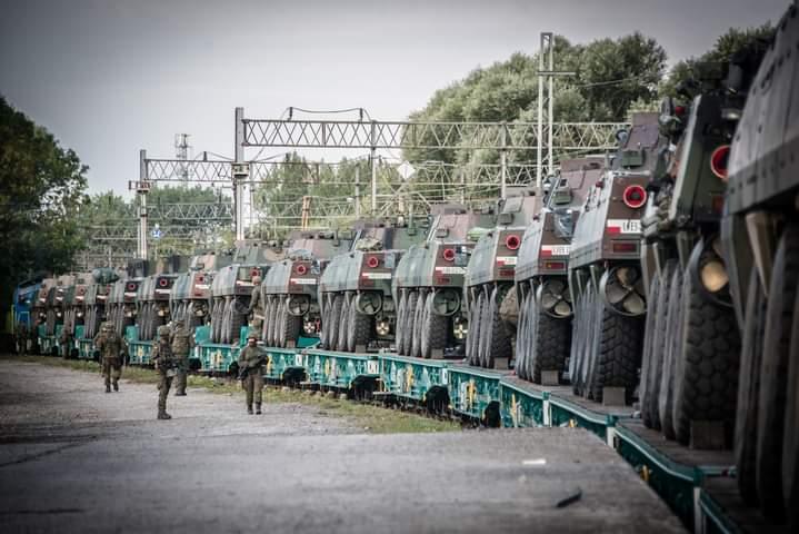 Z REGIONU: Będzie głośno. Duże manewry wojskowe w Nowej Dębie - Zdjęcie główne