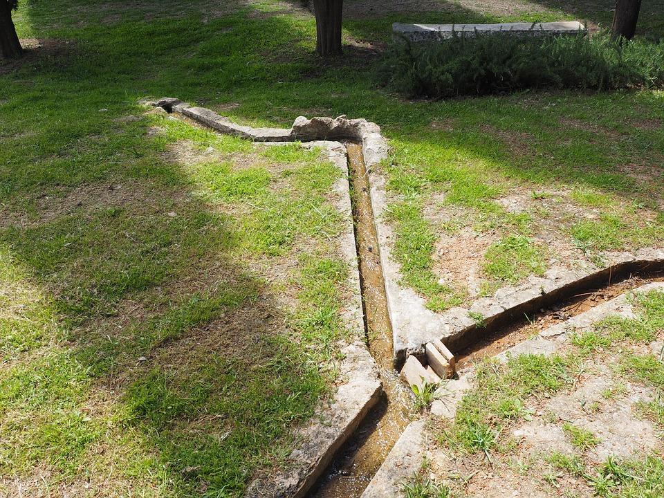 Raniżów. Mieszkańcy ul. Słonecznej wnioskują o budowę sieci wodociągowej. Co na to rada i wójt?  - Zdjęcie główne