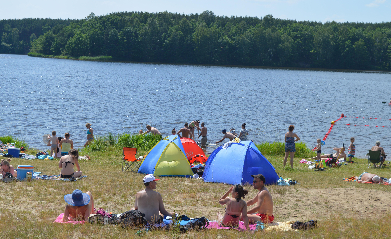 Gmina Dzikowiec. W sobotę, 21 lipca, kąpielisko w Wilczej Woli ma zostać oficjalnie otwarte. Nad bezpieczeństwem będzie czuwać dwóch ratowników  - Zdjęcie główne