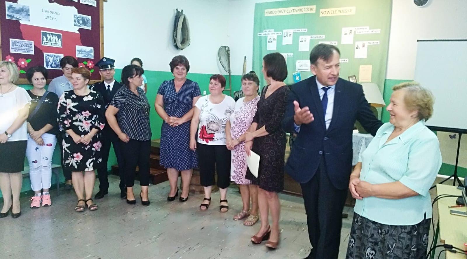 Narodowe Czytanie Nowel w Ostrowach Tuszowskich [ZDJĘCIA] - Zdjęcie główne