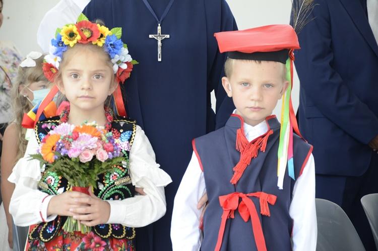 Huczny odpust w Cmolasie. Zobacz zdjęcia z dzisiejszej uroczystości - Zdjęcie główne