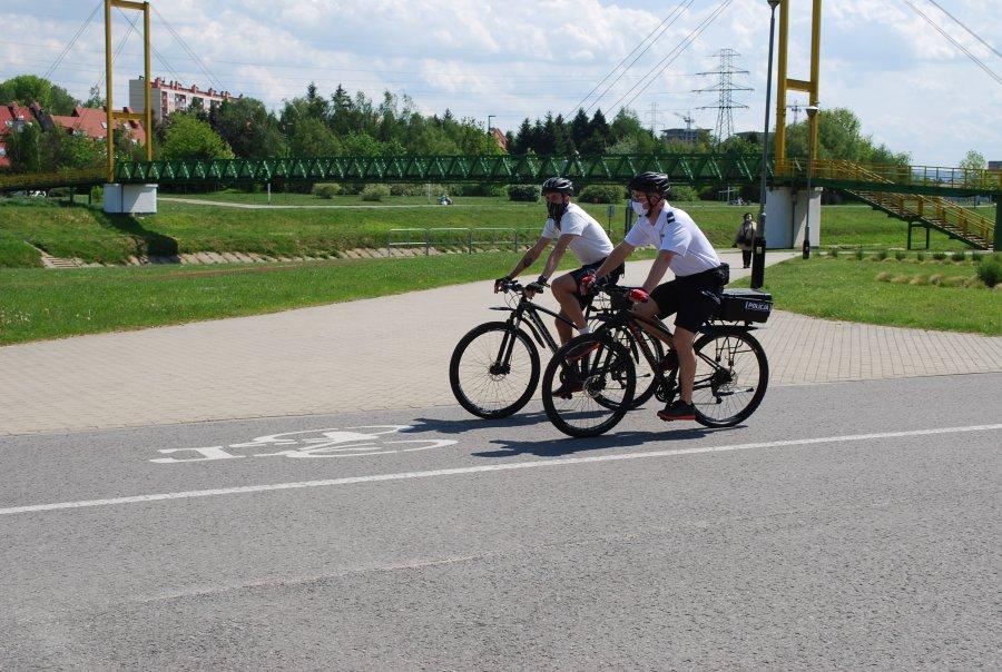 Z REGIONU. Policjanci zaczęli rowerowe patrole - Zdjęcie główne