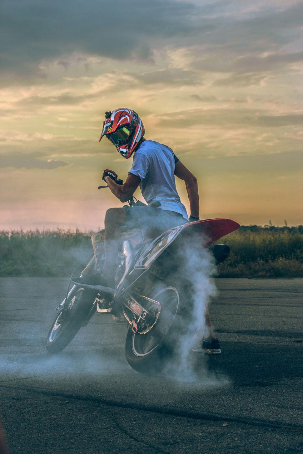 Plakaty dla miłośników motoryzacji - Zdjęcie główne
