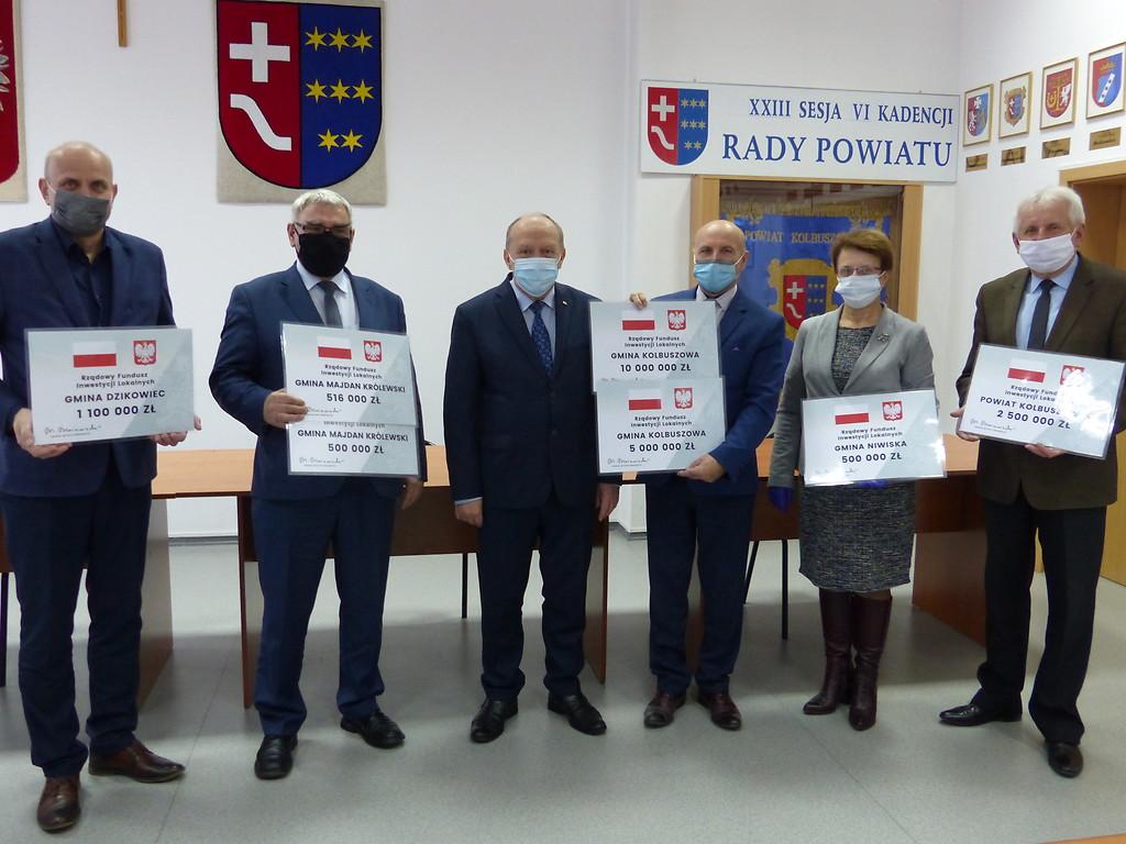 Duży zastrzyk gotówki dla gmin z powiatu kolbuszowskiego - Zdjęcie główne