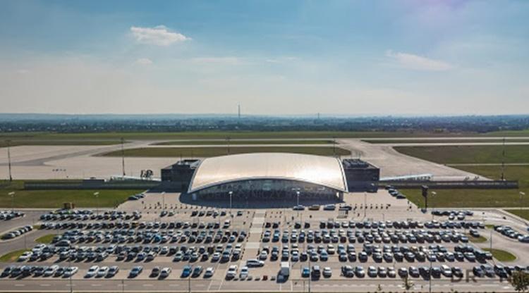 Do Jasionki leci samolot z Polakami z Włoch. Gdzie odbędą kwarantannę?  - Zdjęcie główne