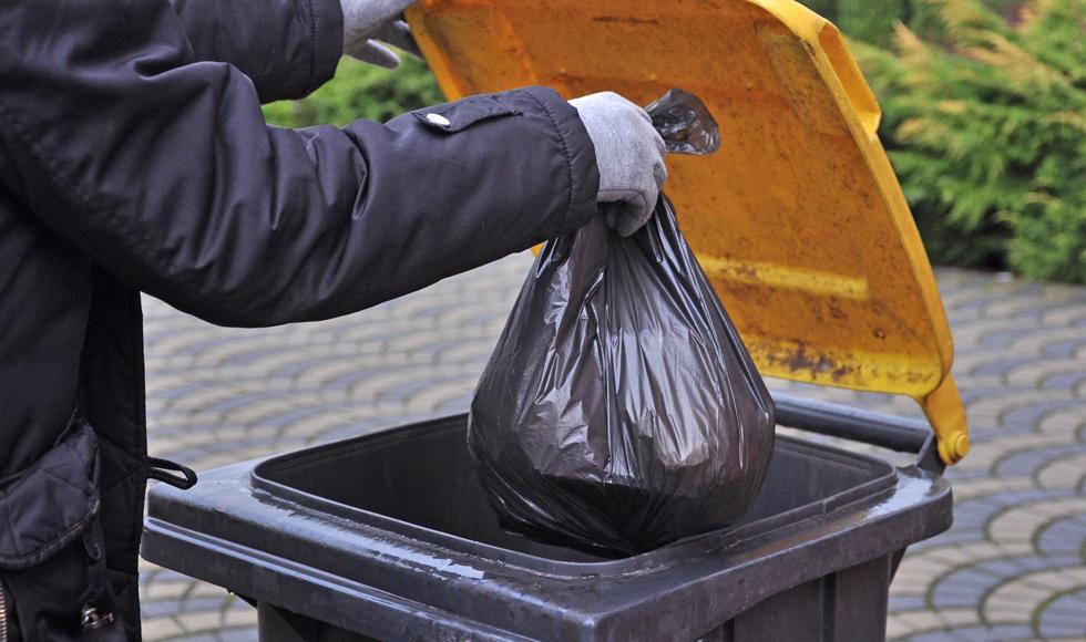 Mieszkańcy gminy Majdan Królewski zalegają prawie 30 tys. złotych z opłatami za śmieci  - Zdjęcie główne