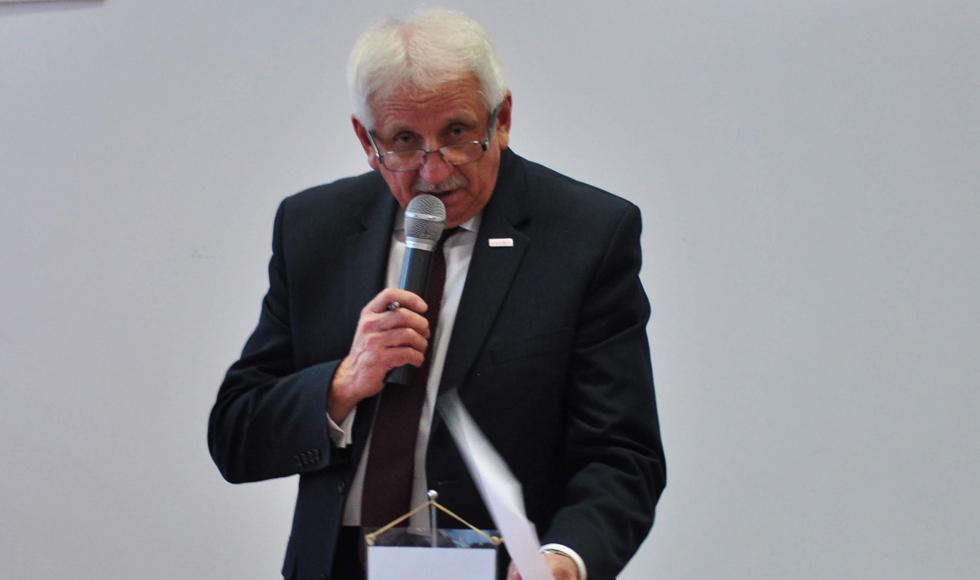 Były starosta Ryszard Sukiennik rezygnuje z odprawy. Józef Kardyś wydaje oświadczenie i zwraca pieniądze na konto starostwa  - Zdjęcie główne