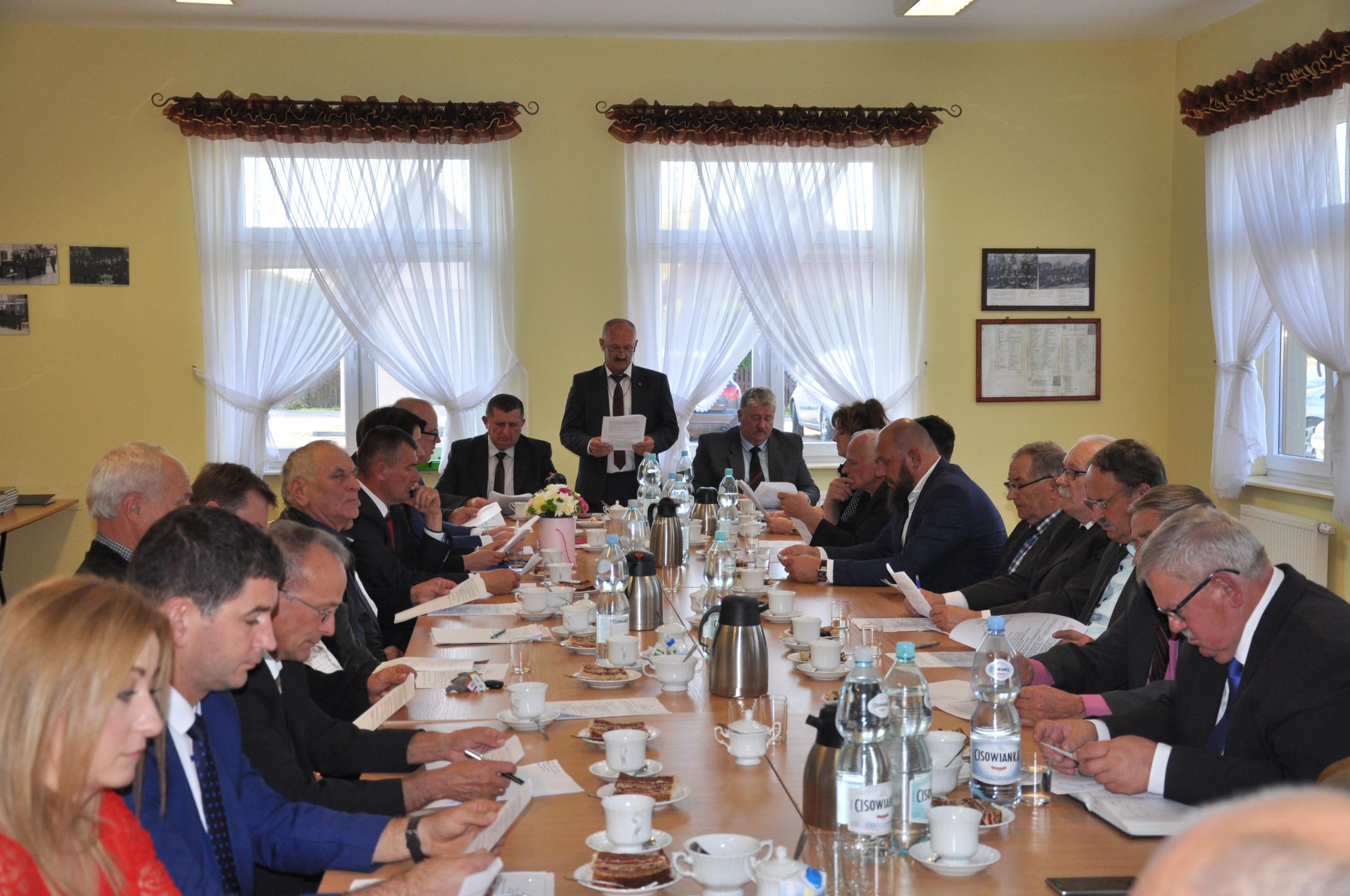 Rada Gminy Dzikowiec obradowała po raz ostatni w starym składzie. Zobaczcie jak wyglądała sesja [ZDJĘCIA] - Zdjęcie główne