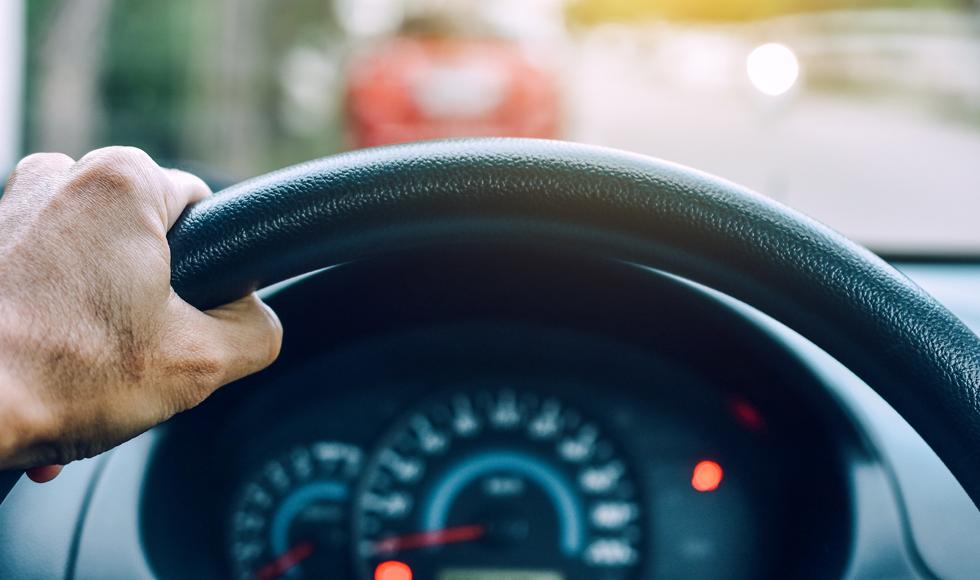 Uwaga kierowcy. Wchodzą zmiany w przepisach. Do kontroli drogowej już bez dowodu rejestracyjnego i polisy OC - Zdjęcie główne