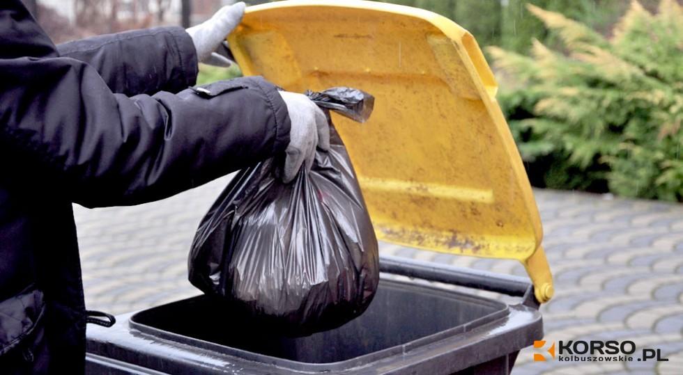 GMINA KOLBUSZOWA. Co z podwyżką za śmieci? Od kiedy faktycznie zapłacimy więcej? - Zdjęcie główne