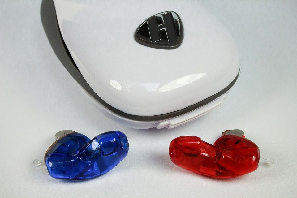 Wybór idealnej baterii do aparatu słuchowego - Zdjęcie główne