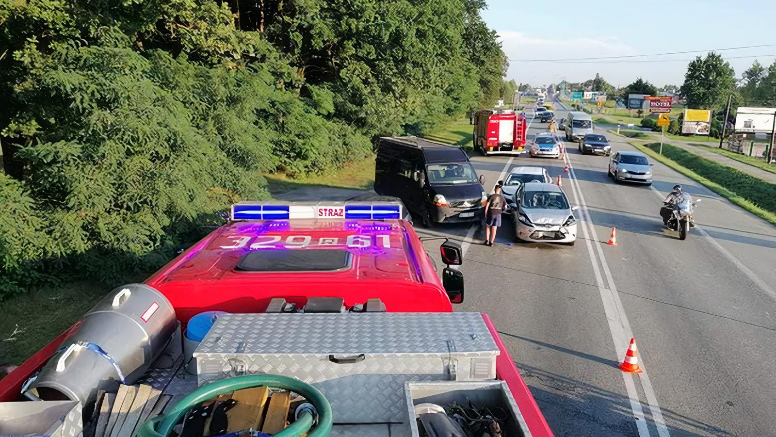 Po wypadku na DK9 ranni mieszkańcy powiatu kolbuszowskiego [AKTUALIZACJA] - Zdjęcie główne