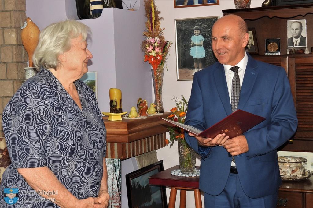 Profesor Joanna Zioło skończyła 90 lat. Była wieloletnim nauczycielem w kolbuszowskim liceum  - Zdjęcie główne