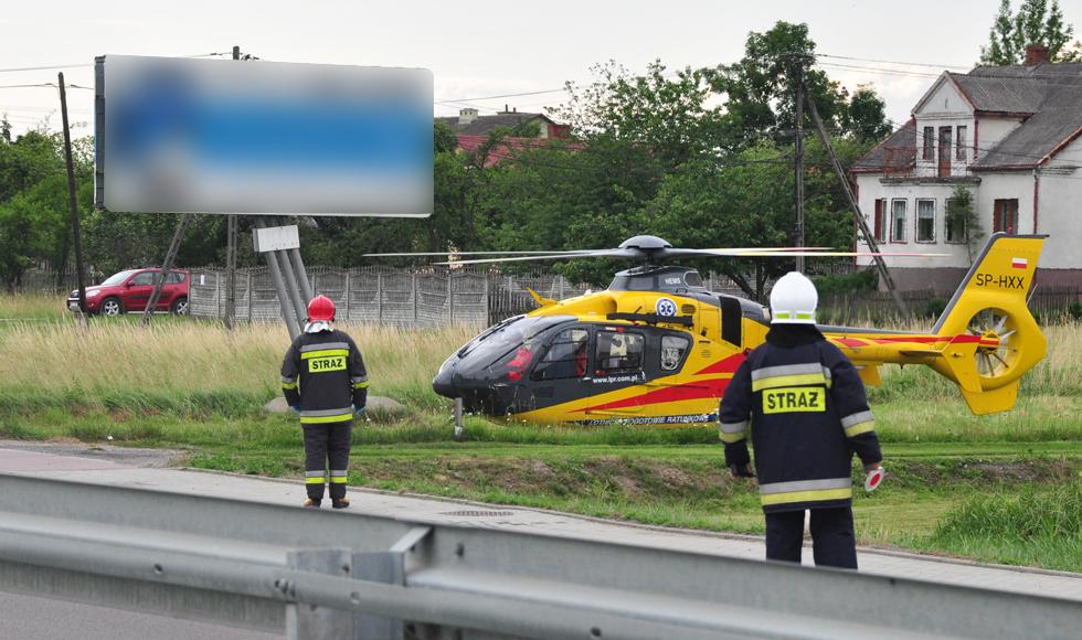 Służby ratunkowe interweniowały w Kupnie. Po rannego mężczyznę przyleciał helikopter Lotniczego Pogotowia Ratunkowego  - Zdjęcie główne