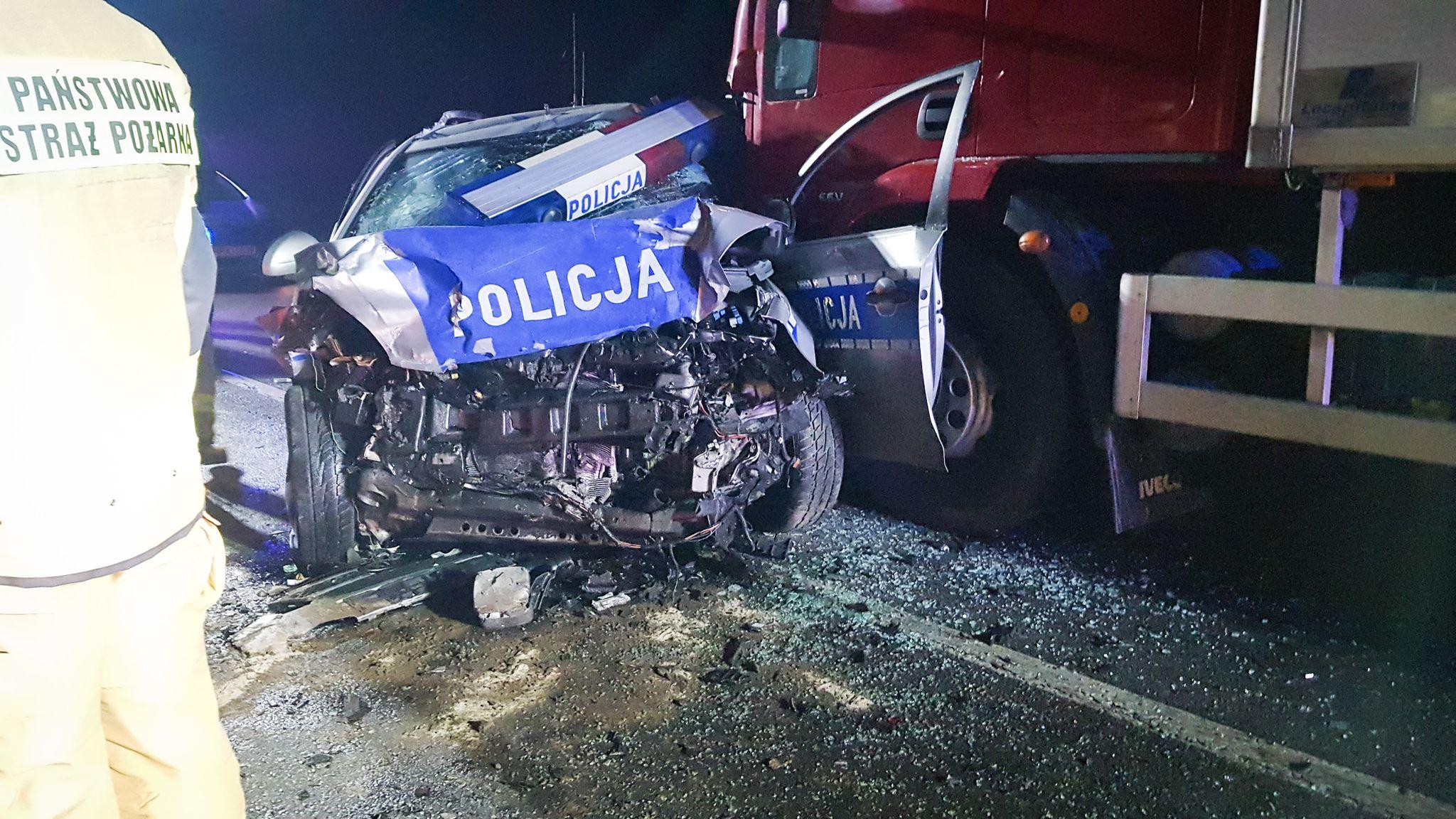 Z regionu. Dramatyczny pościg policji. Kierowca nie przeżył [FOTO] - Zdjęcie główne