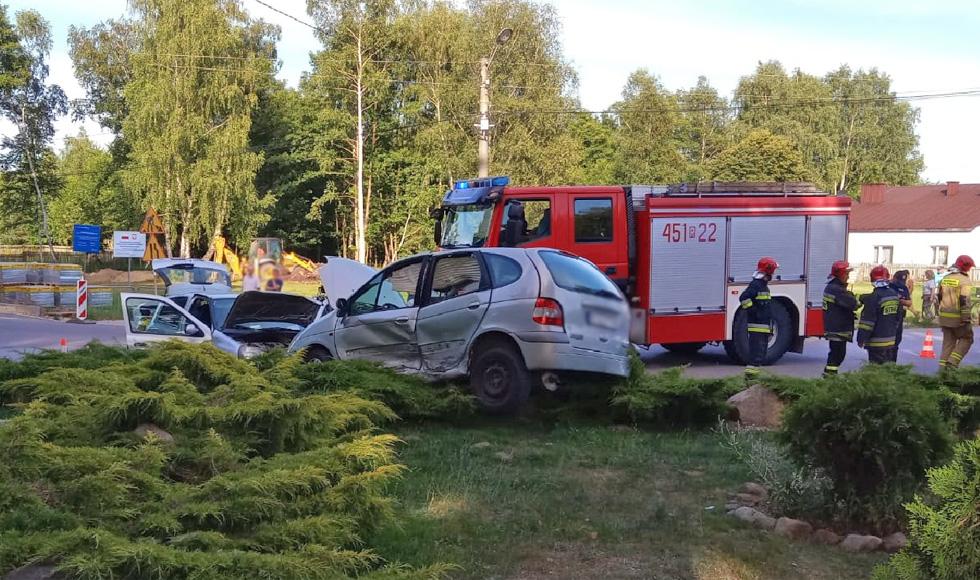 Wypadek w Mechowcu. Pięć osób przewieziono do szpitala [FOTO] - Zdjęcie główne