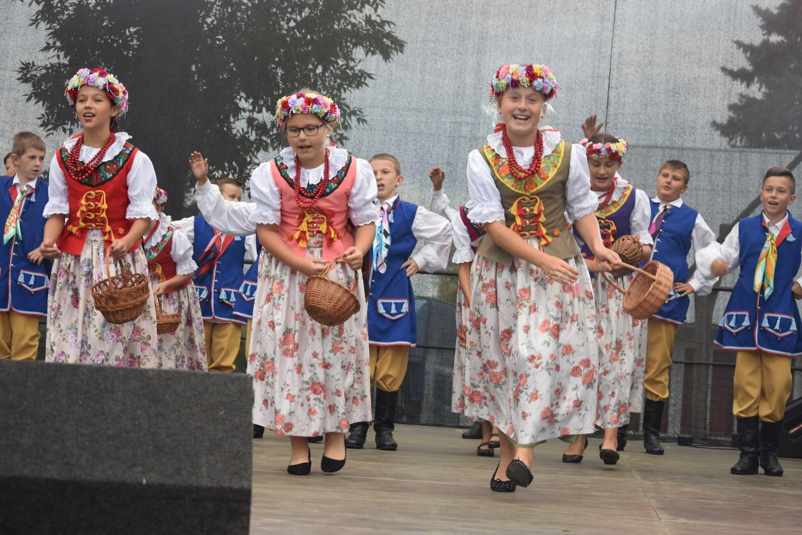 """Gmina Raniżów. Tak bawili się Mazurzanie podczas biesiady rodzinnej """"Mazurskie Mecyje"""". Zobaczcie zdjęcia i filmiki  - Zdjęcie główne"""