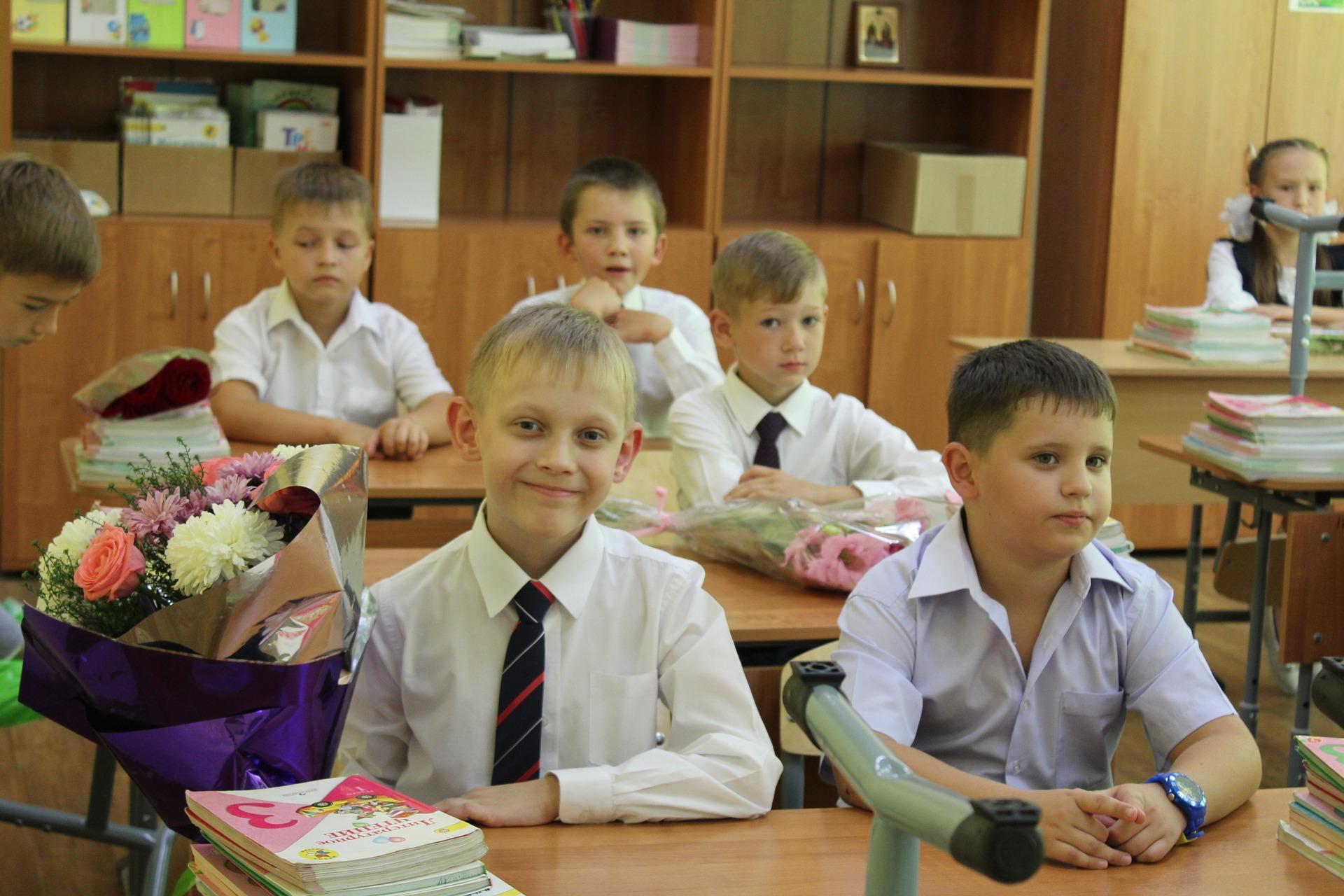 POWIAT KOLBUSZOWSKI. Ponad 5,5 tys. uczniów poszło do szkół w tym roku [RAPORT] - Zdjęcie główne