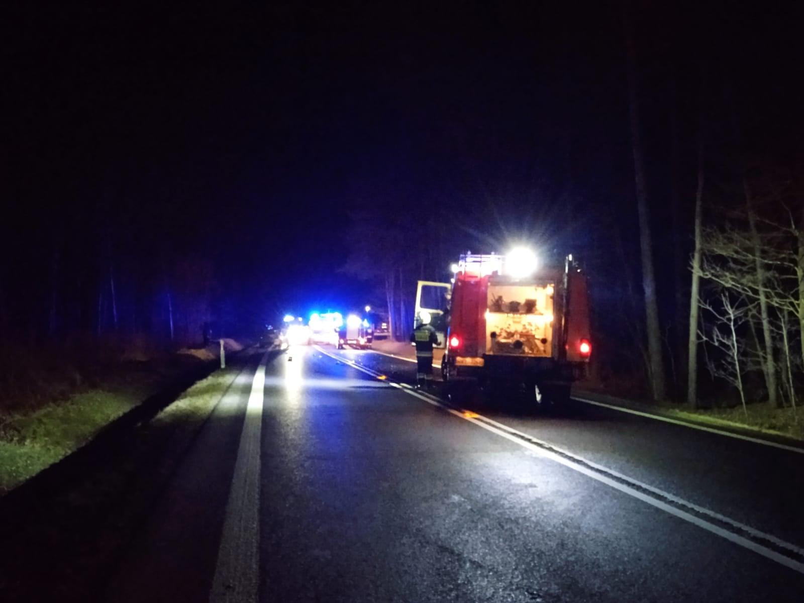 Wypadek w Komorowie. Policja o tragedii na DK 9  [ZDJĘCIA - WIDEO] - Zdjęcie główne