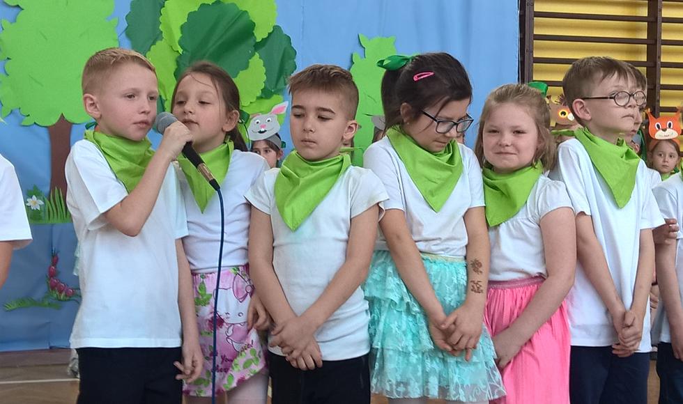 """Uczniowe kolbuszowskiej """"Jedynki"""" świętowali nadejście wiosny - Zdjęcie główne"""