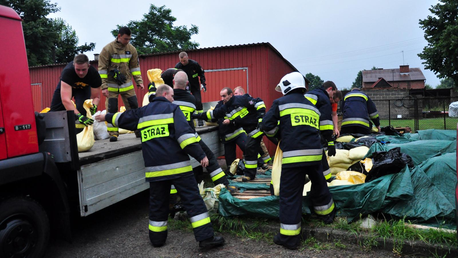 Interwencje strażaków po przejściu ulewy [ZDJĘCIA - WIDEO] - Zdjęcie główne
