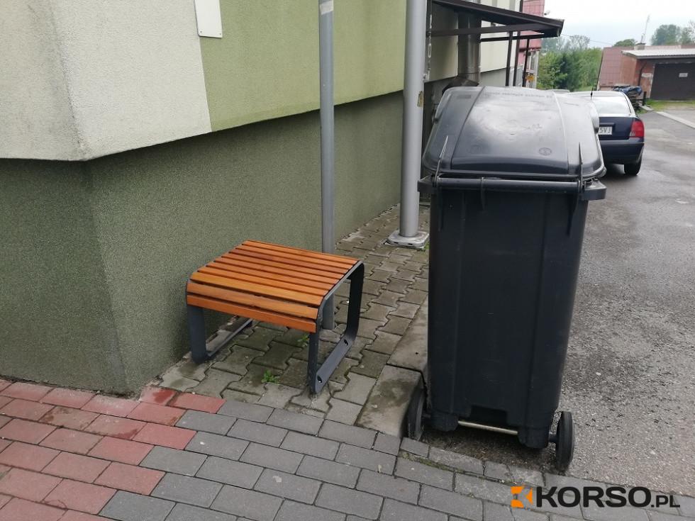 """Z regionu. Pierwszy w Mielcu - miejski """"taboret"""" """"zdobi"""" ulicę Legionów - Zdjęcie główne"""