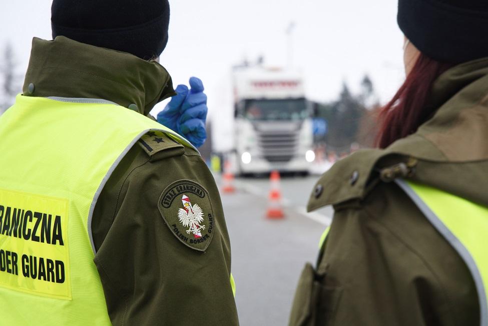 PODKARPACIE: Zapłacili 10 tys. euro żeby wkraść się do ciężarówki. Po co? - Zdjęcie główne