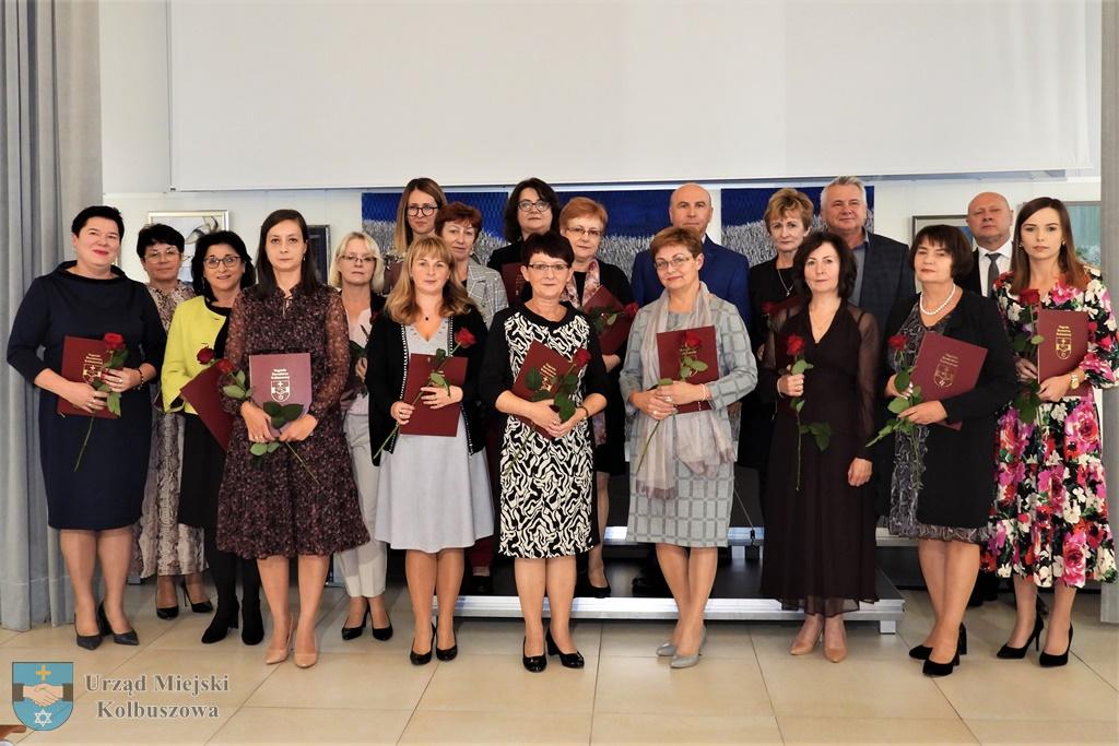 Kolbuszowa. Nagrody dla 18 nauczycieli i urzędnika [LISTA NAZWISK - ZDJĘCIA] - Zdjęcie główne