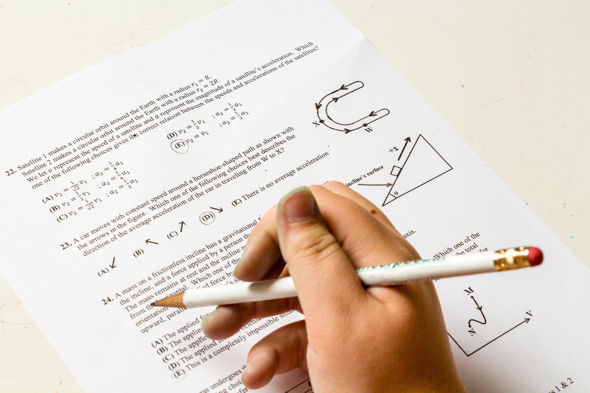 Maturzyści piszą do rządu o przełożenie terminów tegorocznych egzaminów  - Zdjęcie główne