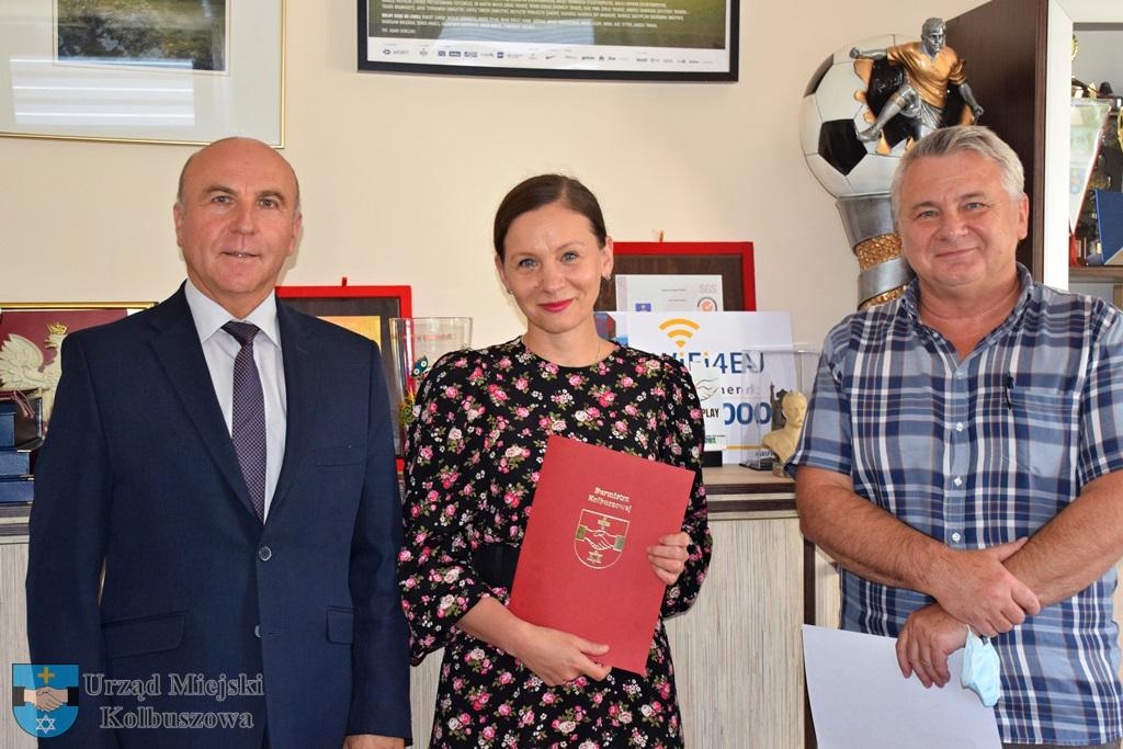 Aneta Konefał ponownie dyrektorem. Burmistrz wręczył akt  - Zdjęcie główne