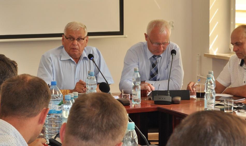 Radna Wolak-Posłuszny składa skargę na przewodniczącego Warzochę. Co na to wojewoda?  - Zdjęcie główne