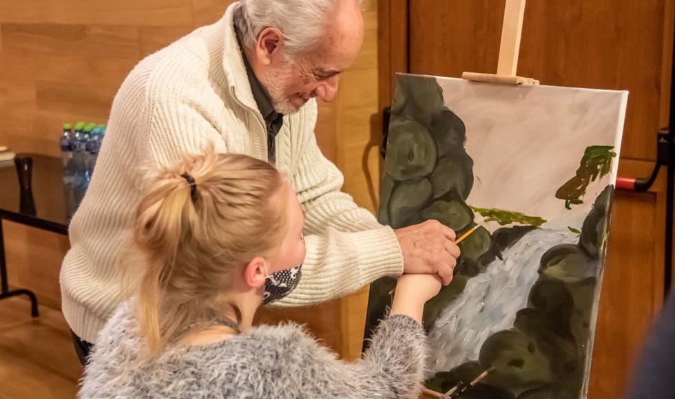 Kolbuszowa. W domu kultury malują z Luigi Priore [ZDJĘCIA - WIDEO] - Zdjęcie główne