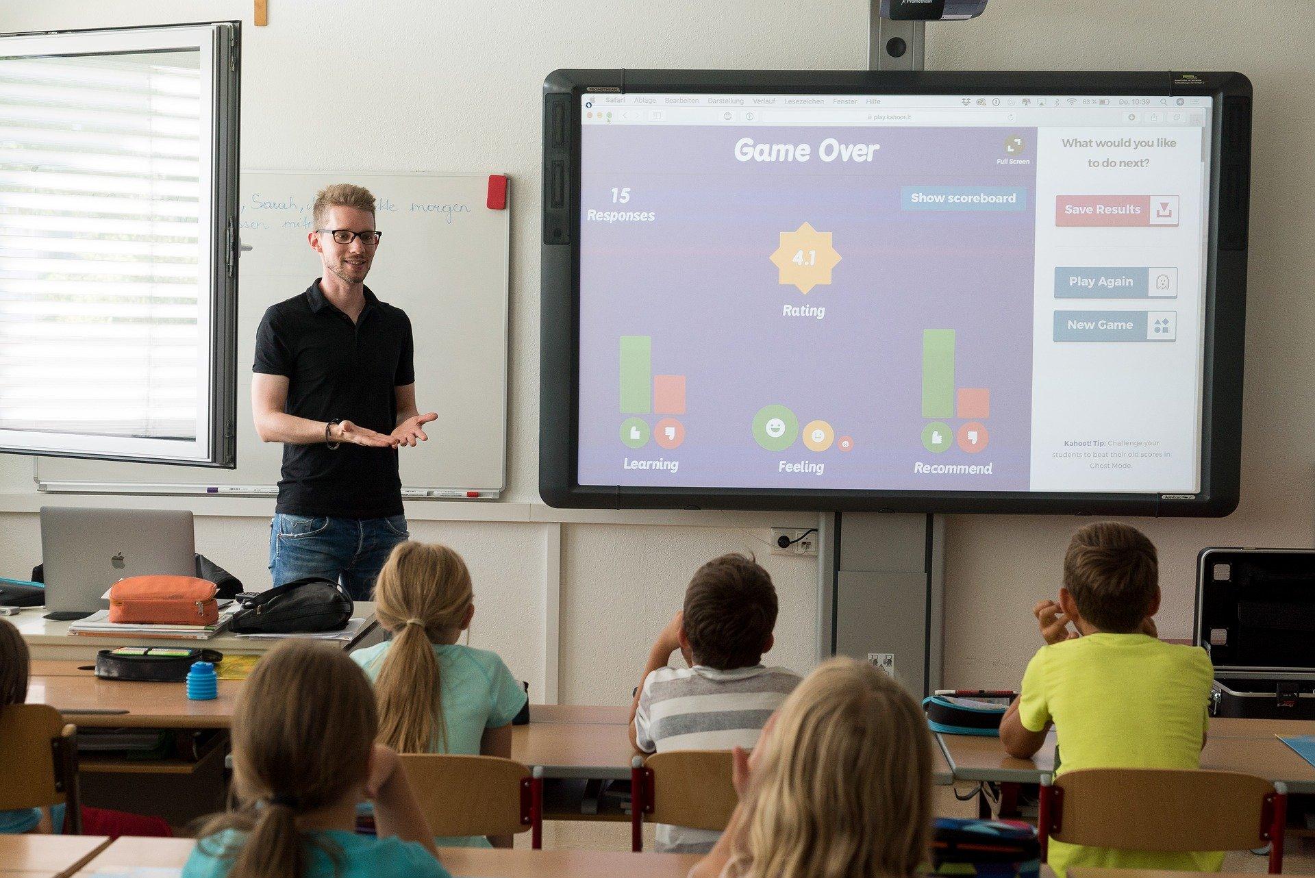 Rozpoczęło się testowanie nauczycieli w naszym powiecie - Zdjęcie główne