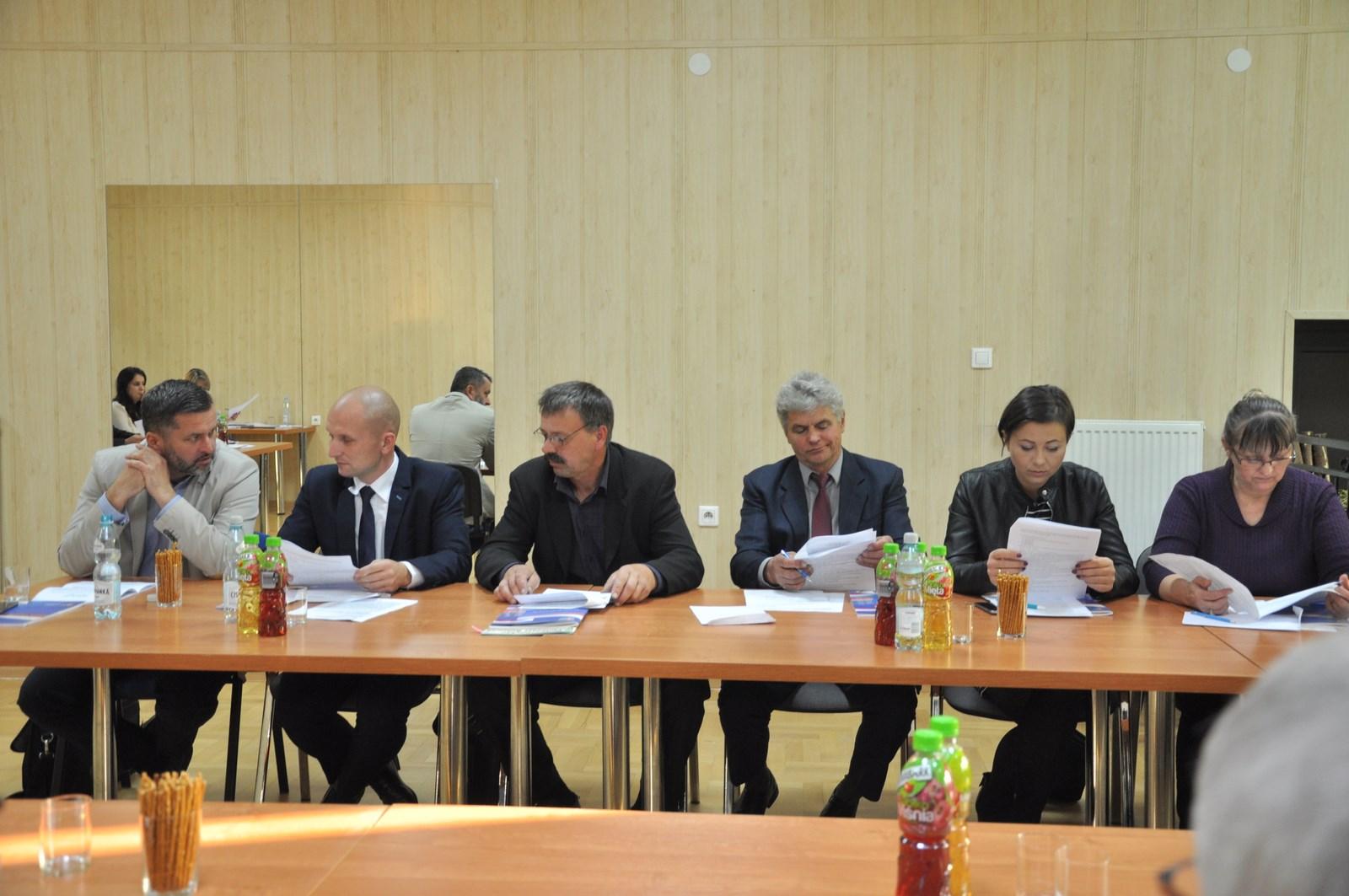 Radni gminy Raniżów wzięli wczoraj udział w ostatniej sesji tej kadencji [ZDJĘCIA] - Zdjęcie główne