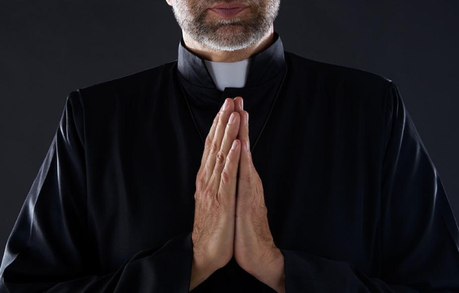 Podkarpacie: Zdjęcia nagiego księdza w internecie - Zdjęcie główne