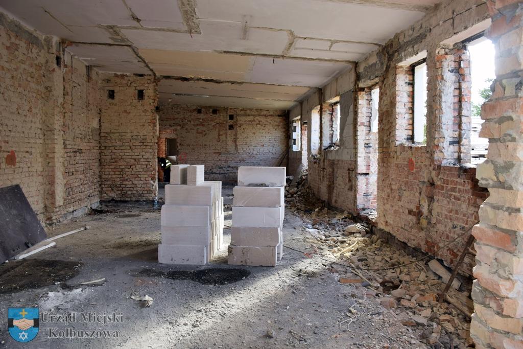Trwają prace rozbiórkowe na dworcu [FOTO] - Zdjęcie główne