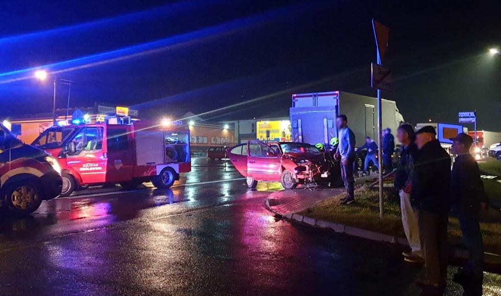 Po wypadku zablokowana droga nr 9 w Majdanie Królewskim |ZDJĘCIA| MAPA| - Zdjęcie główne