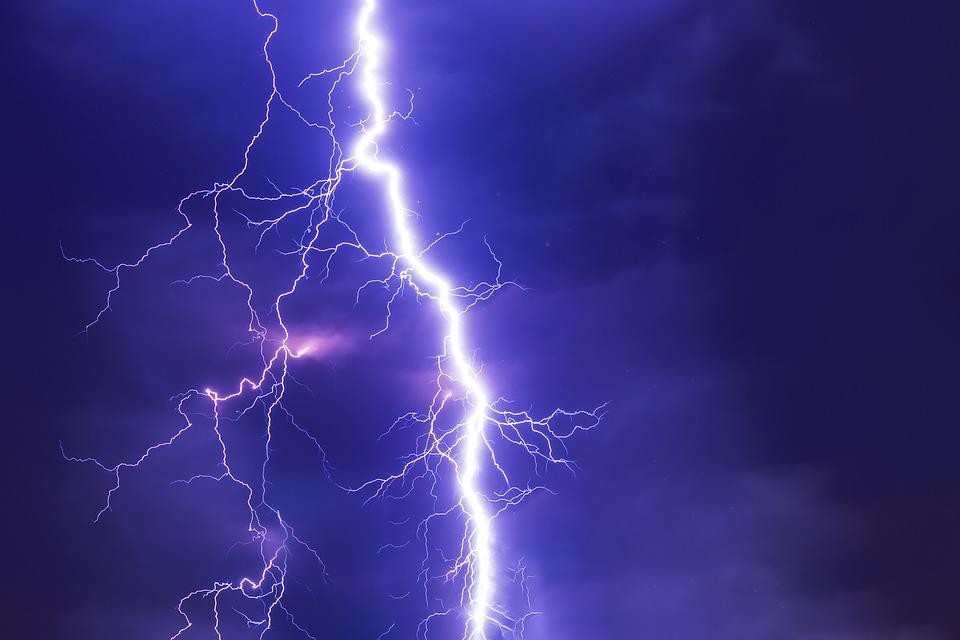 POWIAT KOLBUSZOWSKI. Dziś możliwe burze z gradem i silny wiatr  - Zdjęcie główne